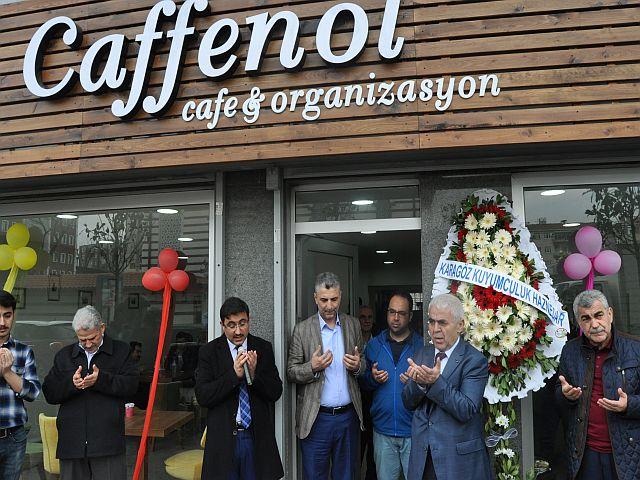 Caffenol Cafe dualarla kapılarını açtı