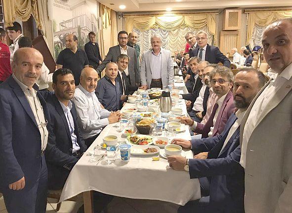 Güngören Ak Parti iftar Bereket sofrasında vefayı yaşadı ve yaşattı