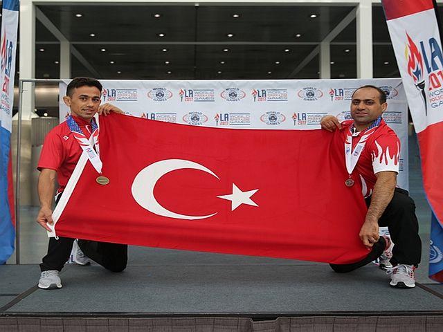 İstanbul İtfaiyesi Amerika'da Madalyaları Topluyor