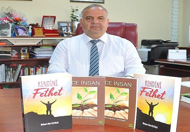 Yeni Kitabı ''Kendini Fethet'' İle Mehmet Nuri Kaynar Gönülleri Fethetti