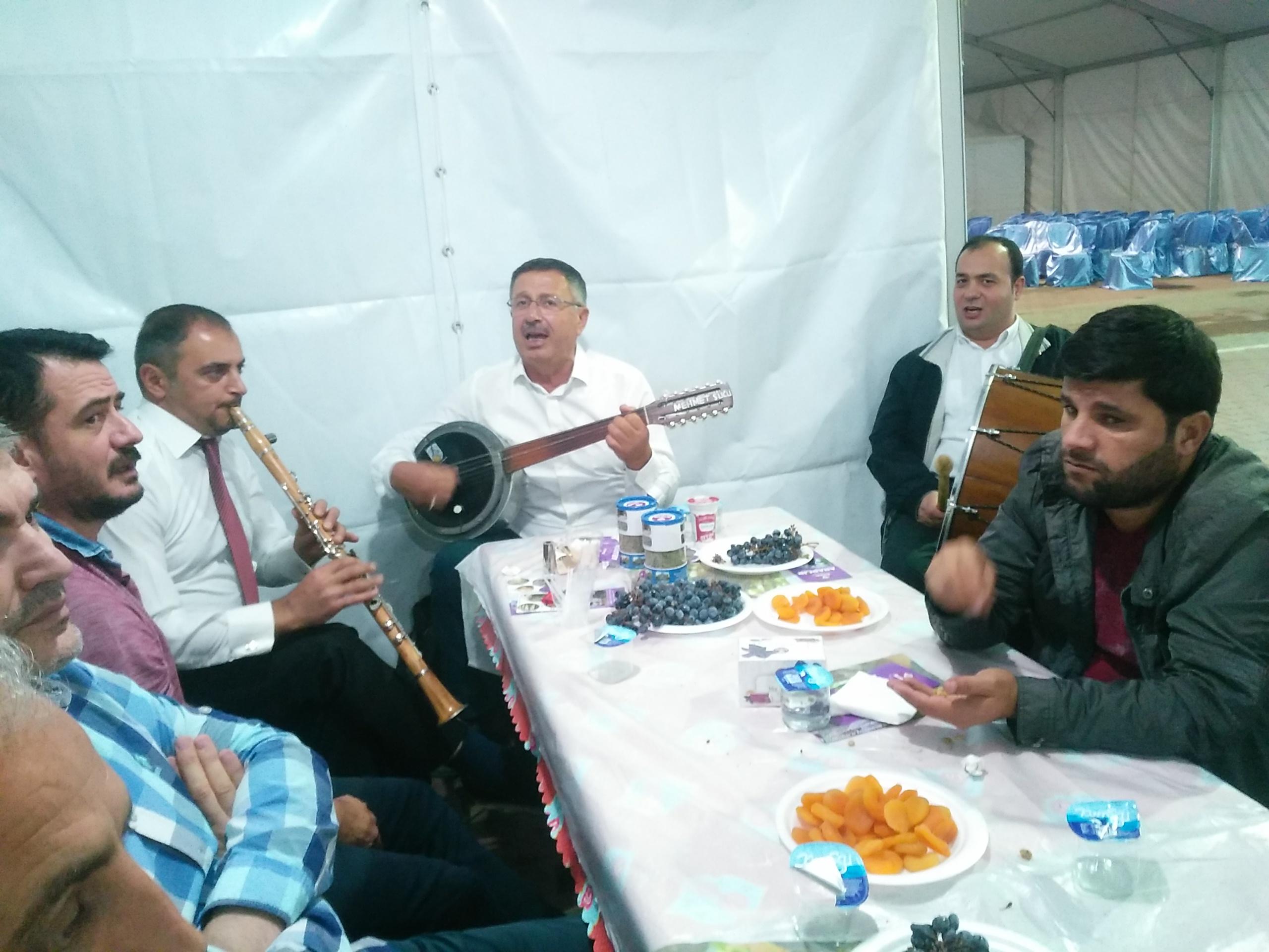 Cümbüşün teli, klarnetin sesi Arapgir üzüm Festivali'nde