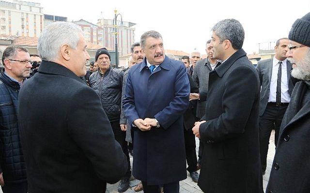 Başkan Gürkan, Minibüs Durakları Bölgesi Esnafları İle Bir Araya Geldi