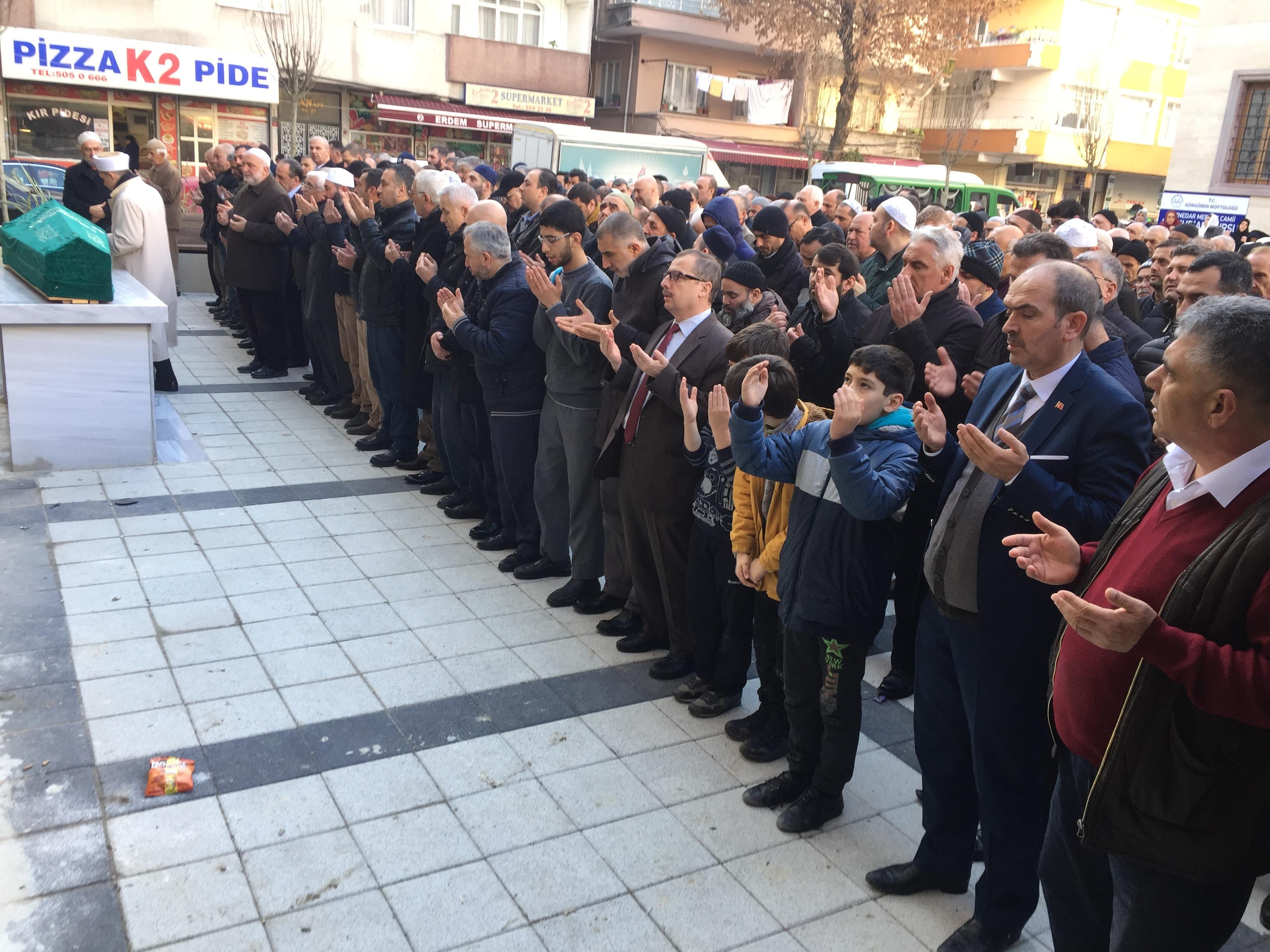 Cengiz Yapar Ebedi Yolculuğuna Dualarla Uğurlandı