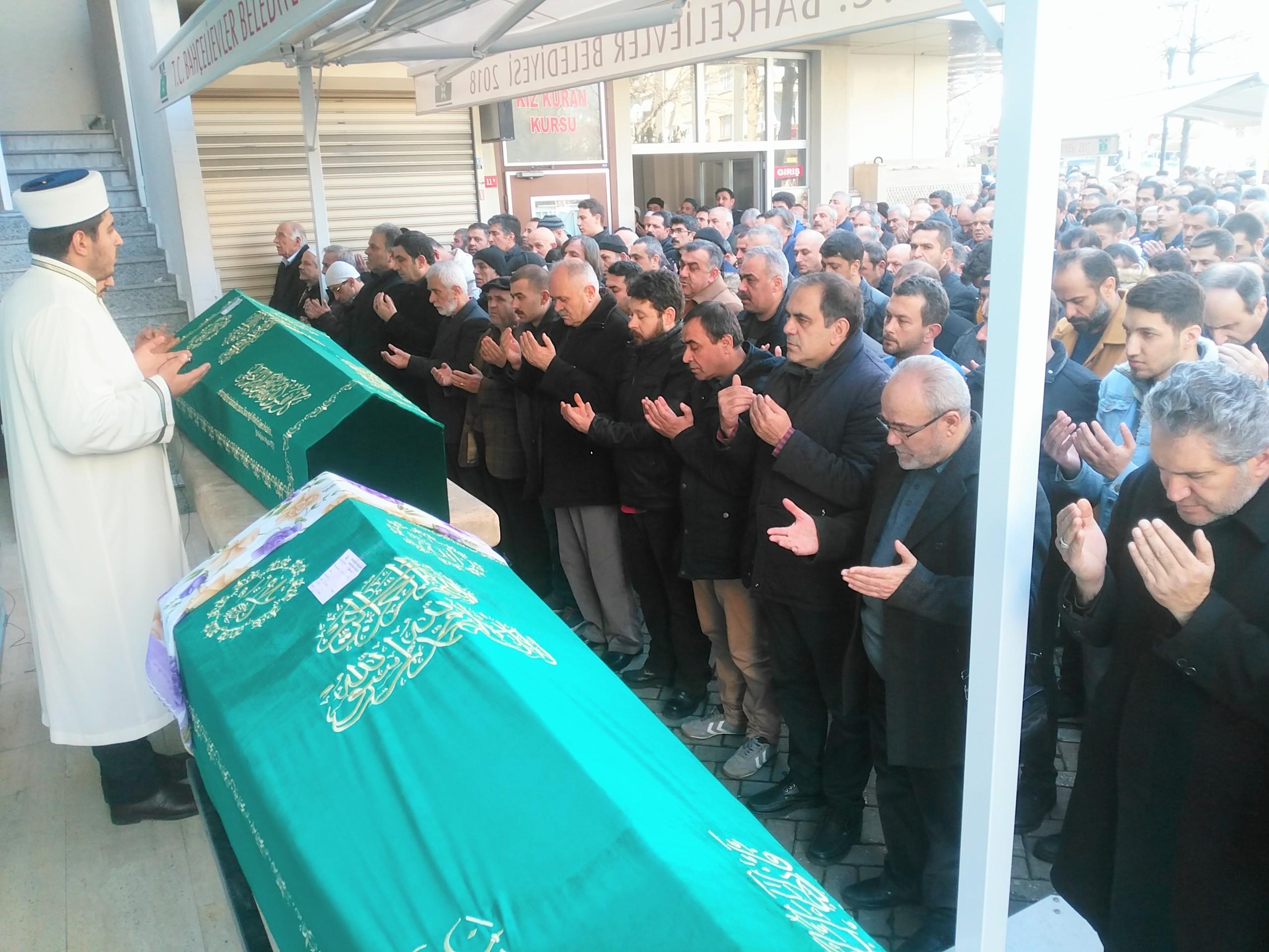 Nurettin Çetin ve Lamia Artan dualarla ebedi yolculuğuna uğurlandı
