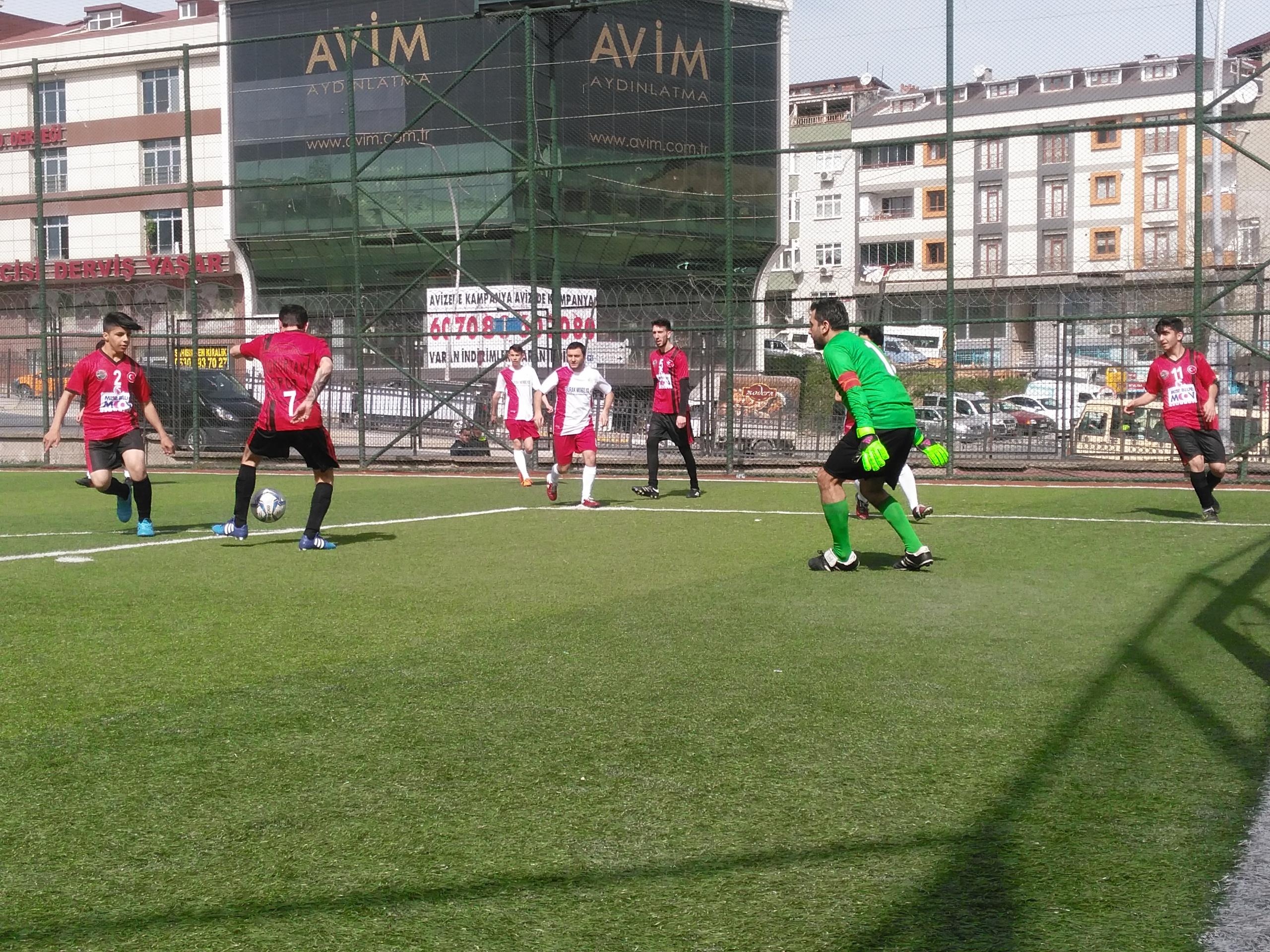 Doğanyol dernekleri futbol turnuvası başlama vuruşuyla başladı