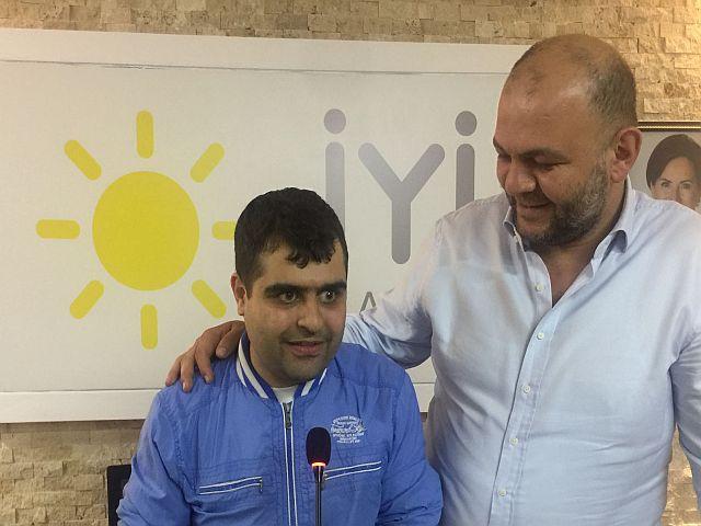 Emektarımız Erman Sağlık'ın kürsü mikrofon heyecanına Gökhan Yiğit ortak oldu