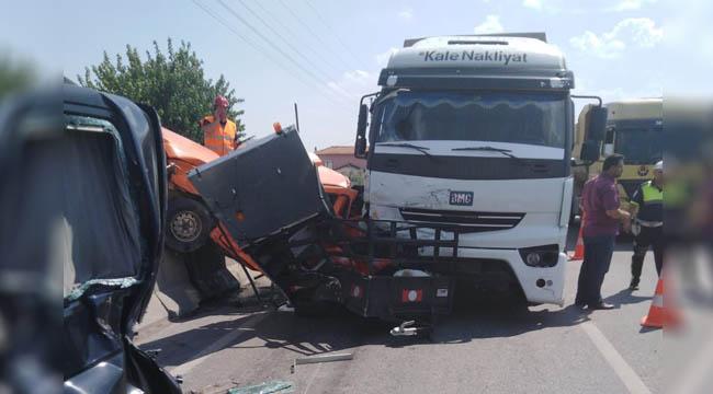 Korkunç Kazada 4 Kişi Yaralandı
