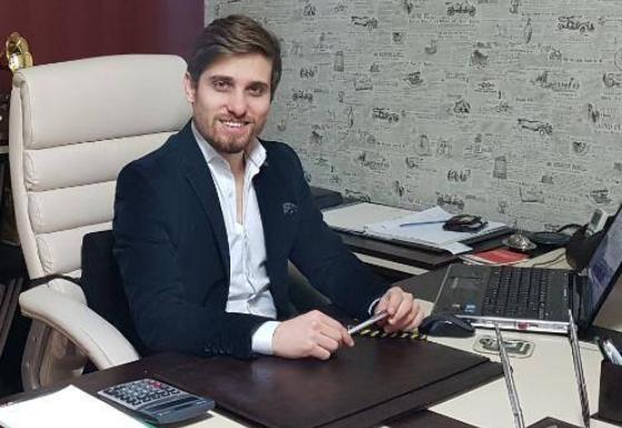 Aykut Kaya çalıştığı gazetenin 27 yaşında patronu oldu