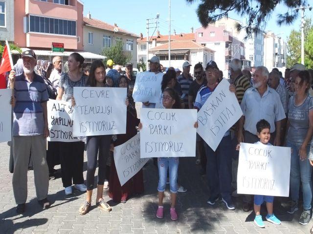 Vatandaşlar başkan istifa diye yürüdüler