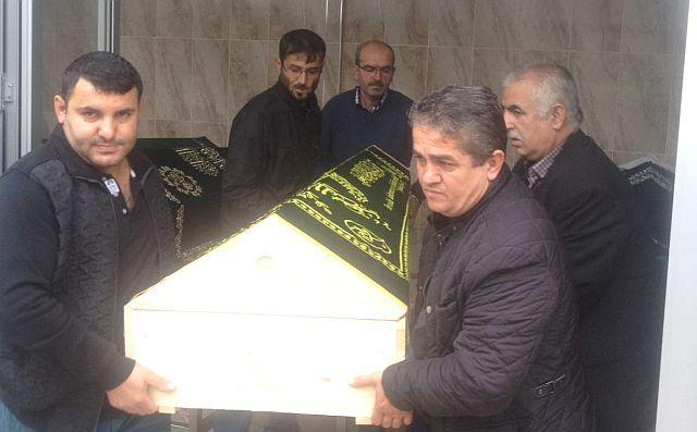 Akbaba ailesinin acı günü, Enişteleri Hasan Tükenmez'İ dualarla hakka uğurladılar