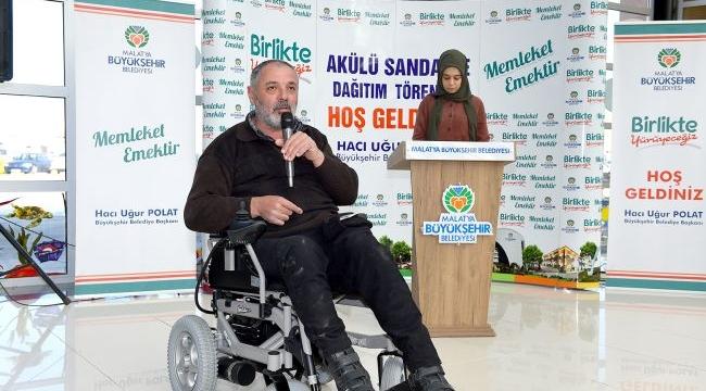 43 Akülü Tekerlekli Sandalye Dağıtıldı