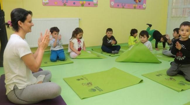 Çocuklar Yoga İle Nefes Alıyor