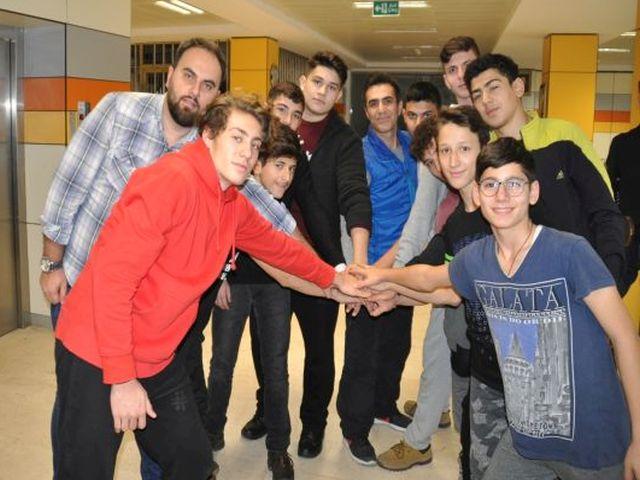 Koca Yusuf Anadolu İmam Hatip spor lisesi şampiyonları kıskandırıyor