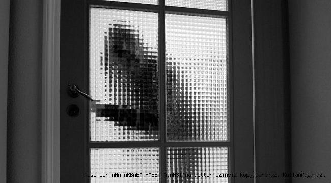 Avcılar'da Kafede Cep Telefonu Hırsızlığı