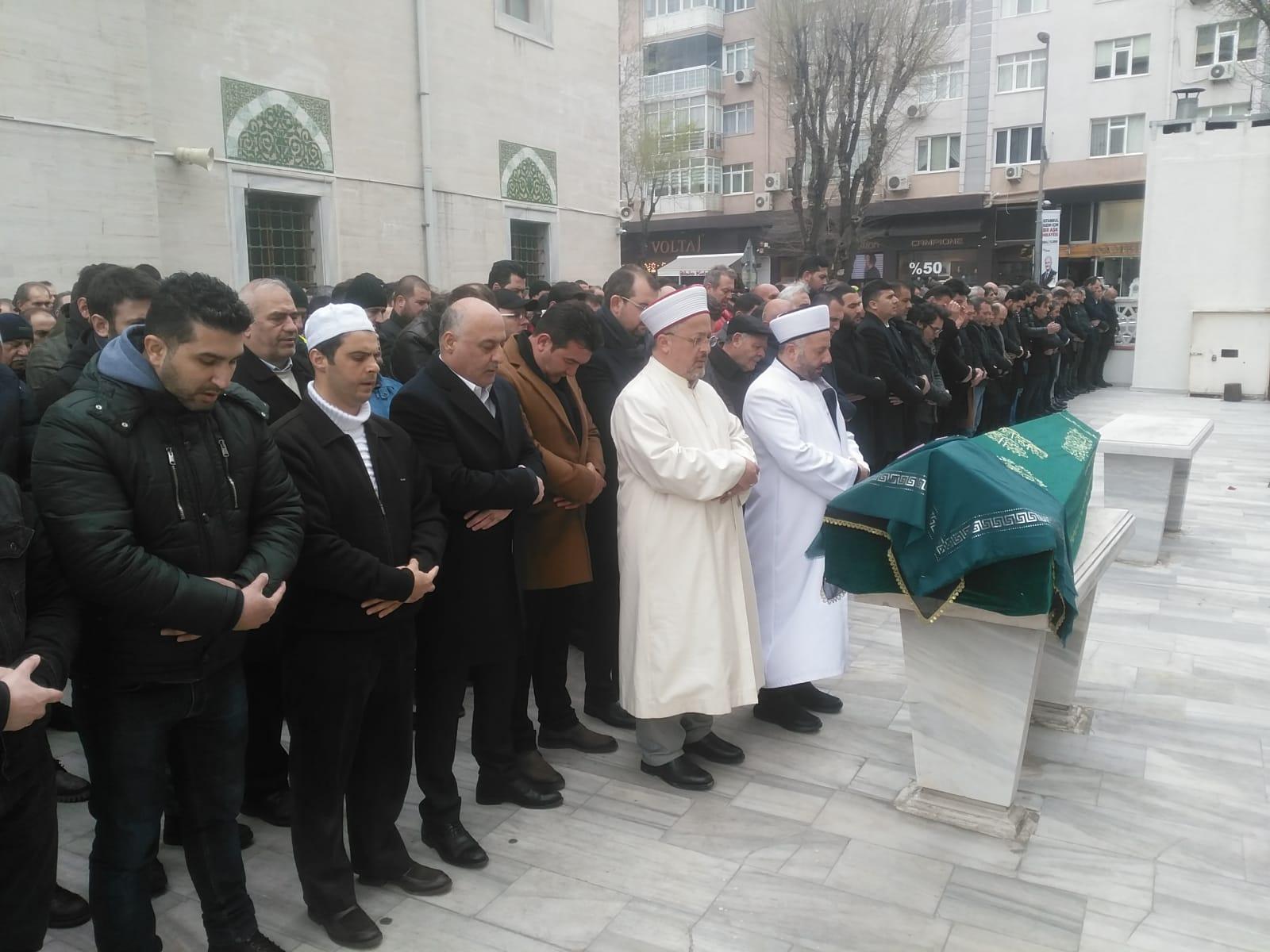 Demirkaya ailesi, anneleri Saime Demirkaya'yı dualarla hak yoluna uğurladı
