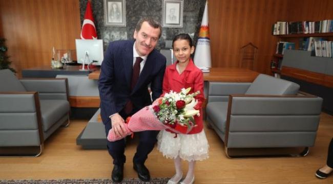 Minik Bahar'dan Başkan Arısoy'a 23 Nisan Ziyareti