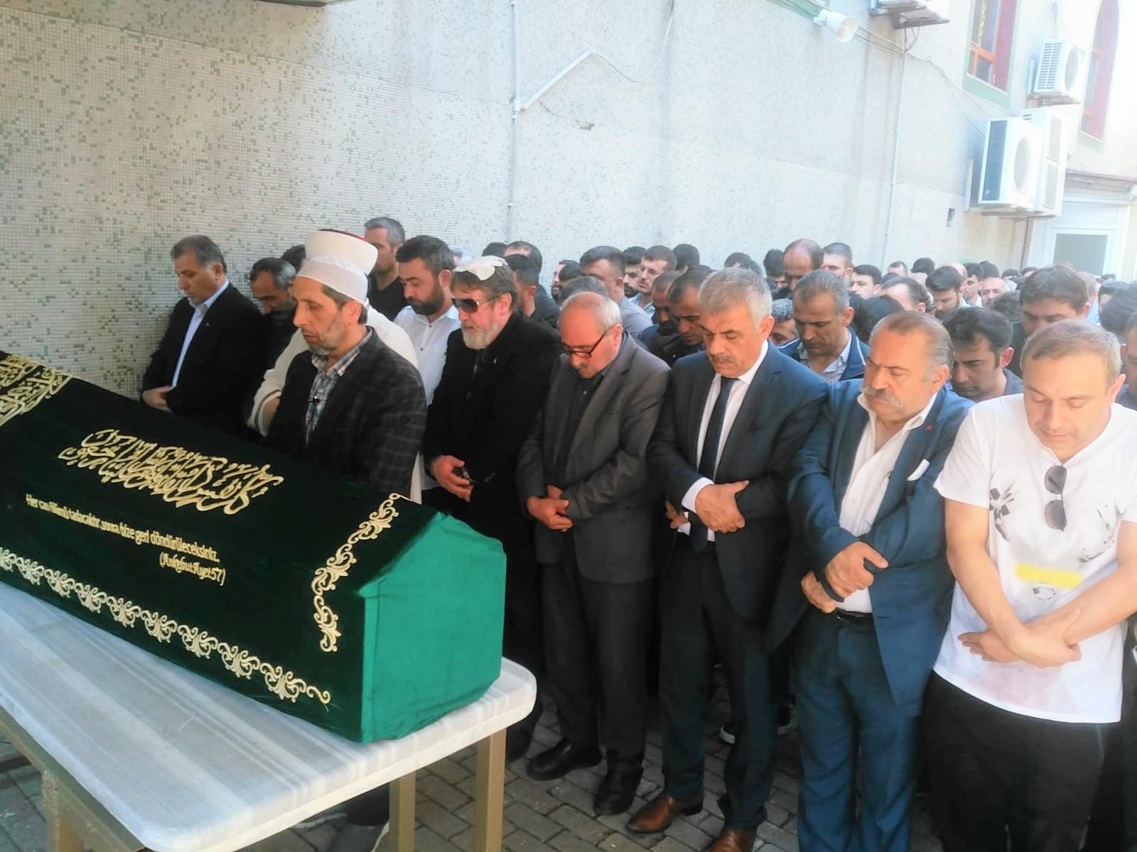 Adem Yavuz Özata ebediyete dualarla uğurlandı