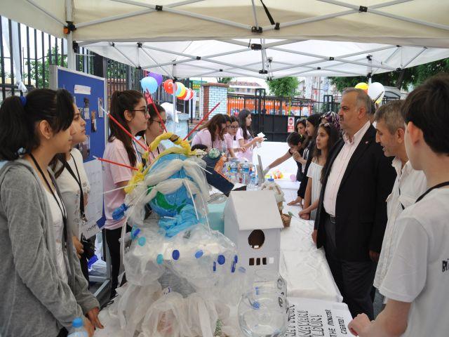 Bülent Ecevit Ortaokulu Bilim şenliğiyle geleceğin bilim adamlarını yetiştiriyor