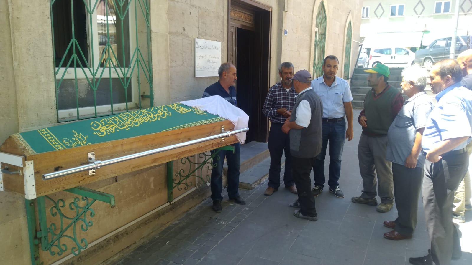 Sivaslı Fatma Şener 87 yaşında  hayata veda etti