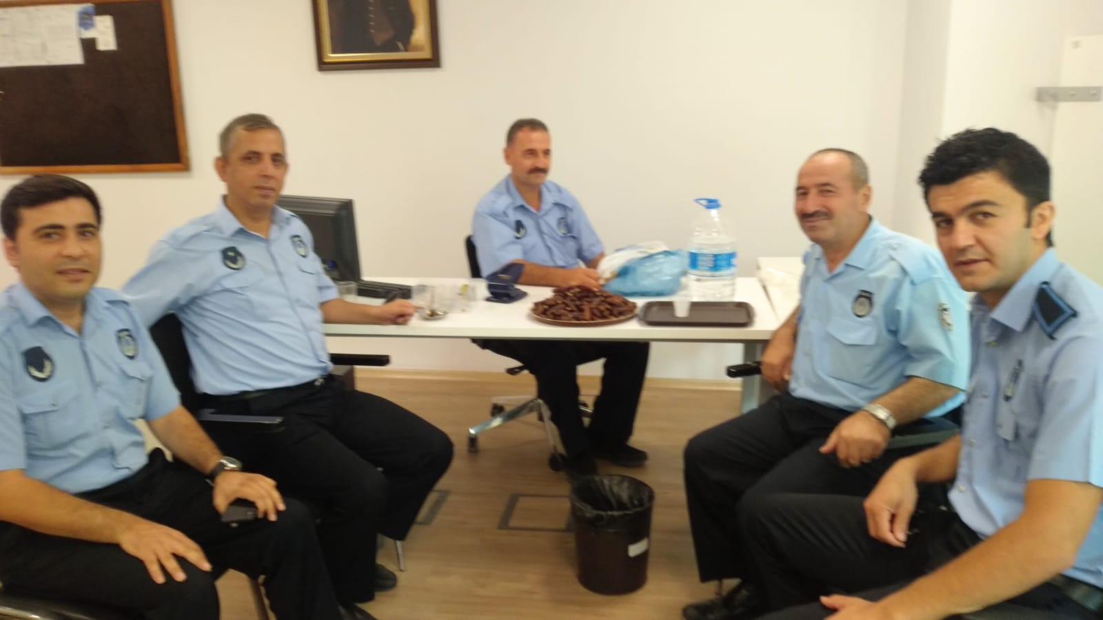 Hac farizasında dönen Mustafa Ceylan tebrikleri kabul etti