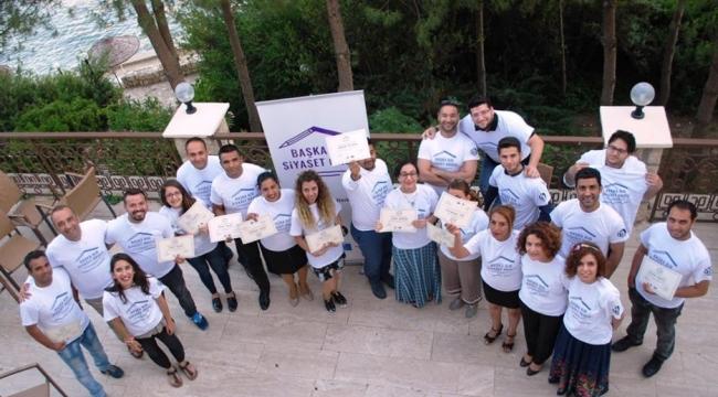 Roman Gençler Siyasete Hazırlanıyor