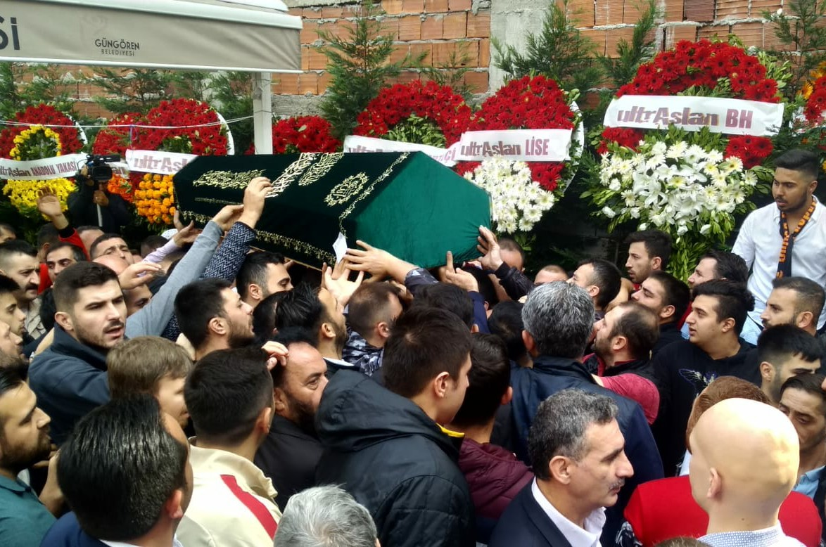 Gökhan Osman dua ve tekbirlerle son yolculuğuna uğurlandı