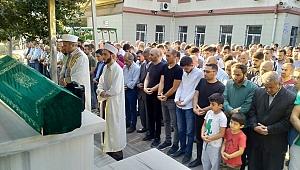 Mehmet Karaca'nın son vedasında gözyaşları sel oldu