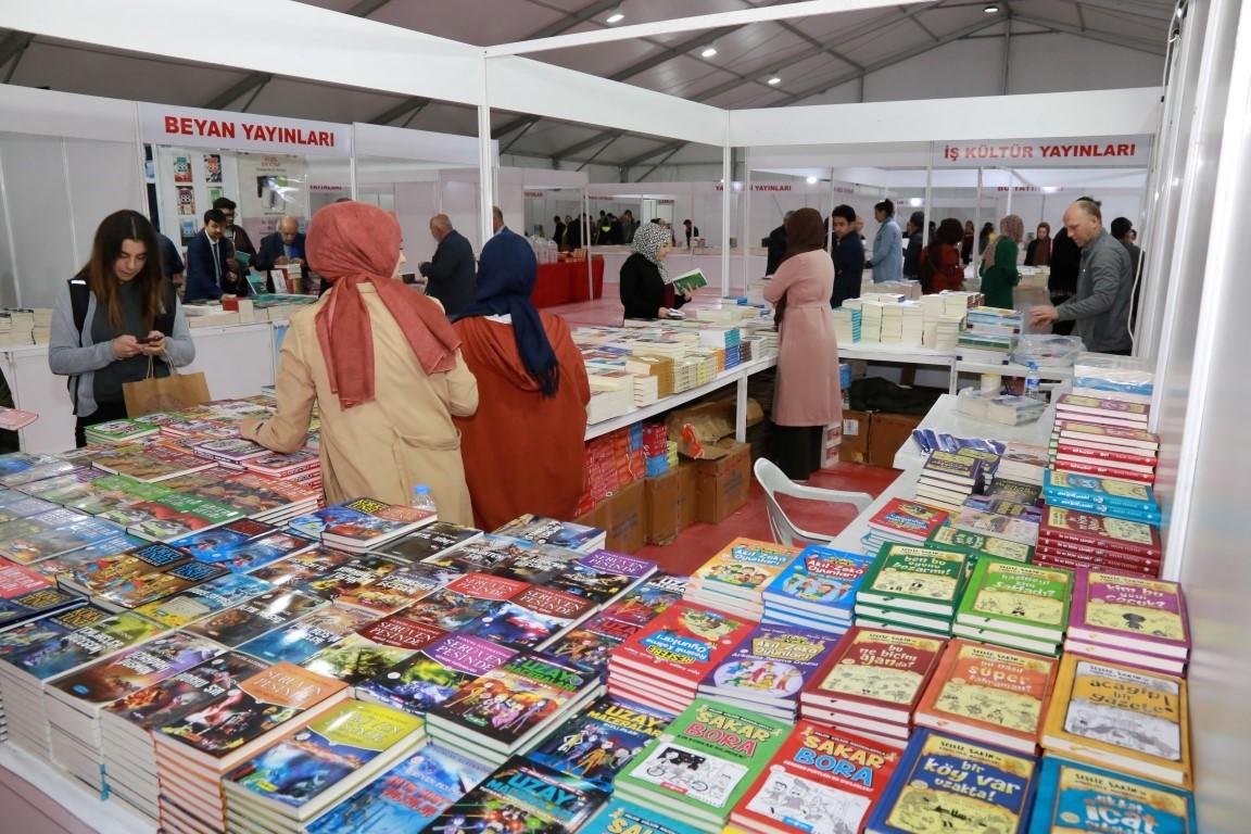 'Adıyaman Belediyesi Kitap Günleri' Başladı