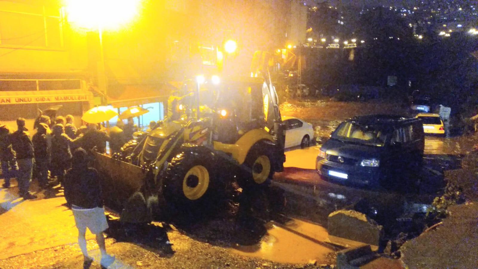 Trabzon'da sağanak yağış az kalsın bir cana mal oluyordu