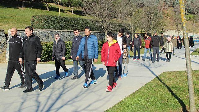 Öncü Gençlik Spor ailesi güne sporla başlıyor