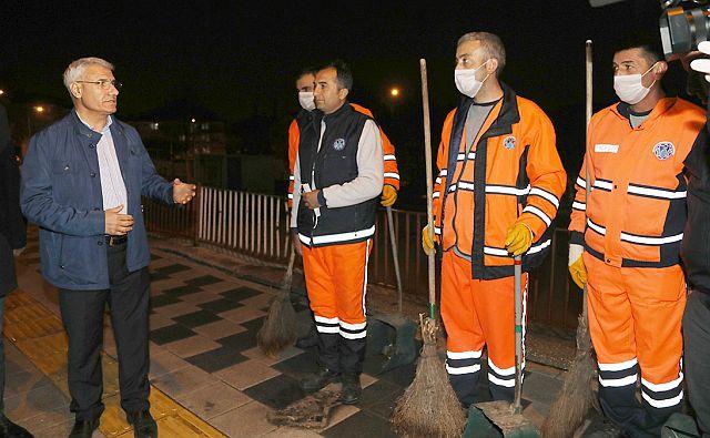 Battalgazi belediyesi Coronavirüsü mücadelesi kahramanlarına kesenin ağzını açtı