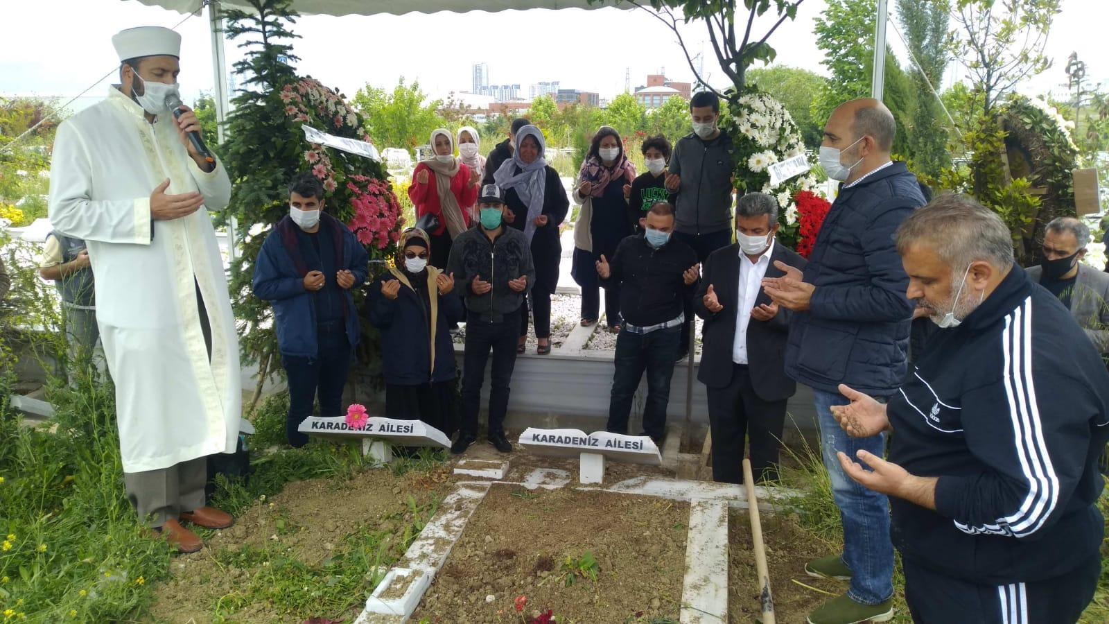 Karadeniz ailesi, ataları Mehmet Karadeniz'i dualarla hakka uğurladı