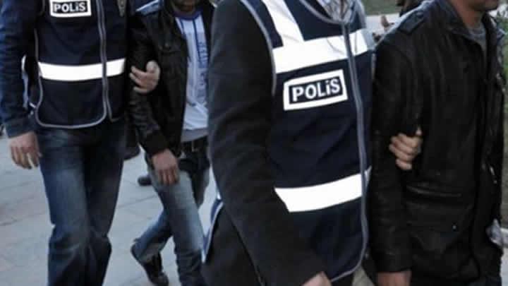 Manisa'da insan tacirlerine operasyon, 25 gözaltı