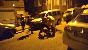 Bir kişiyi yaraladı, Gece kartallarına Bıçakla saldırdı, soluğu kodesde aldı