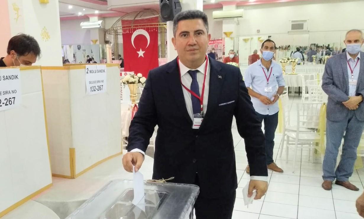 Güngören MHP, Muhammet  Alpaslan Aldır'a Güven oyu verdi