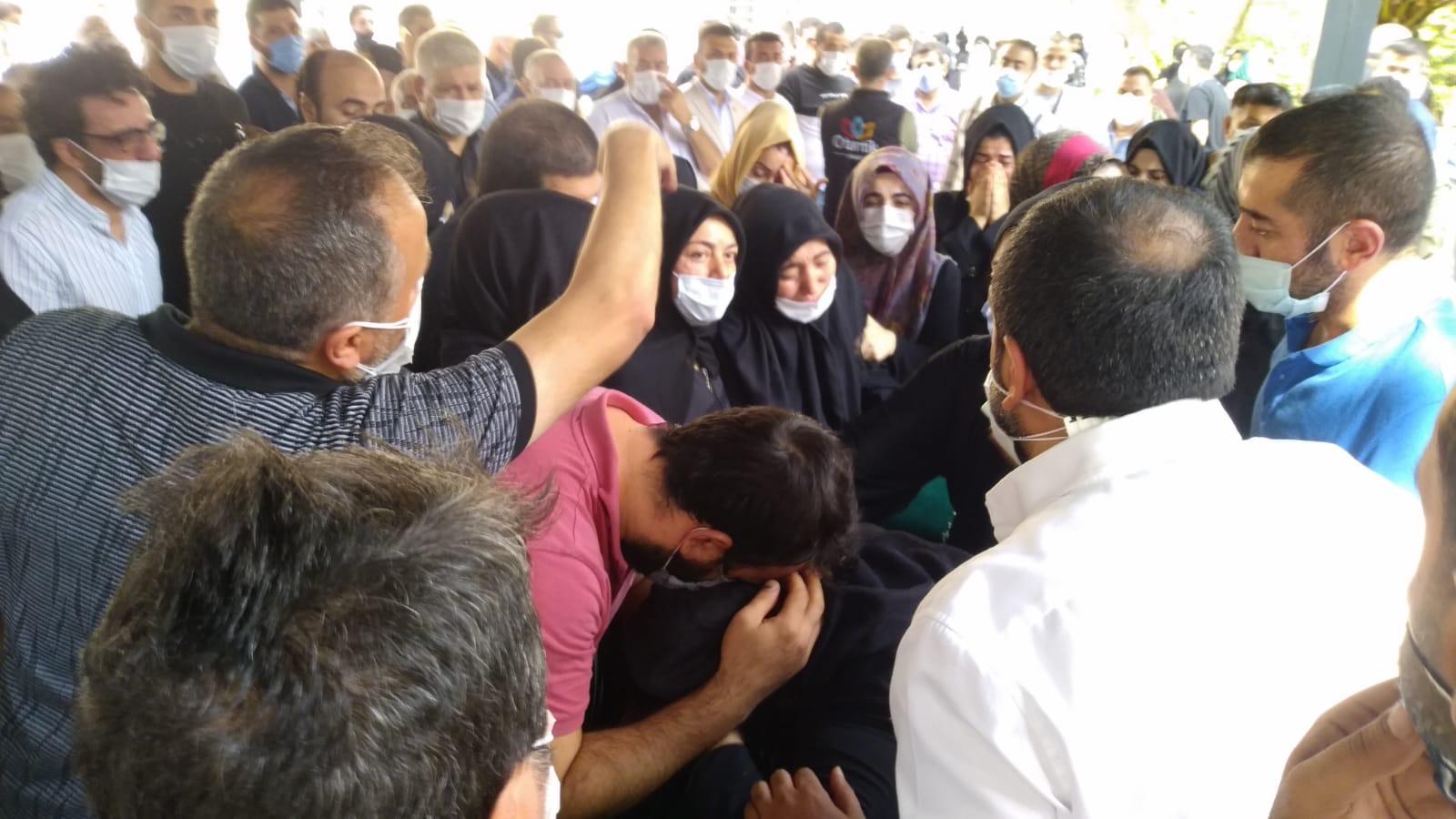 Bekir Hallaç'ın son vedasında gözyaşları sel oldu