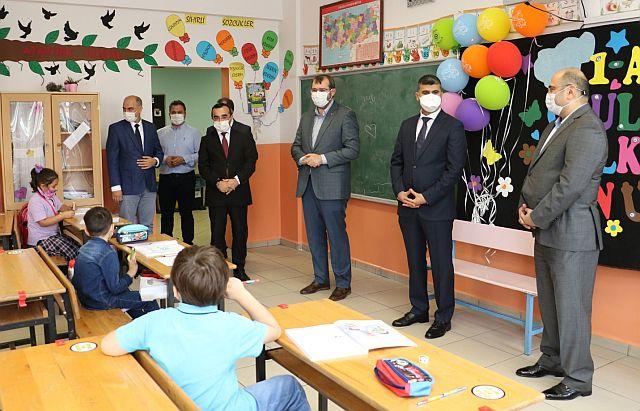 Güngören'de Öğrenciler İçin Ders Zili Çaldı