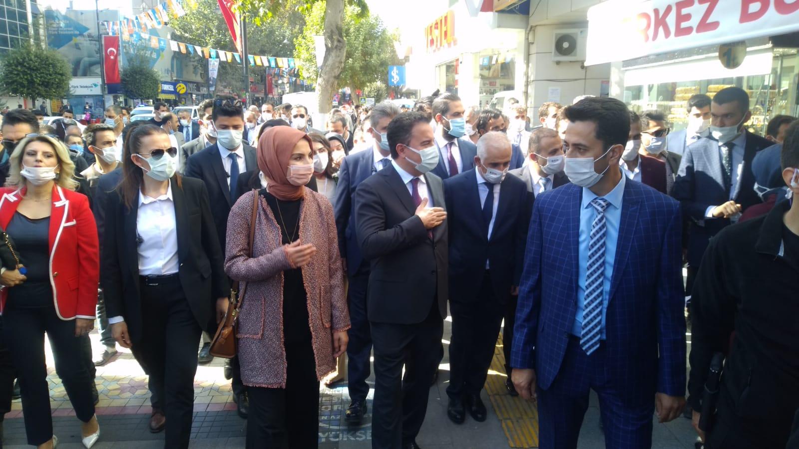 Deva Partisi Ali Babacan ve kurmayları Malatya'ya çıkartma yaptı