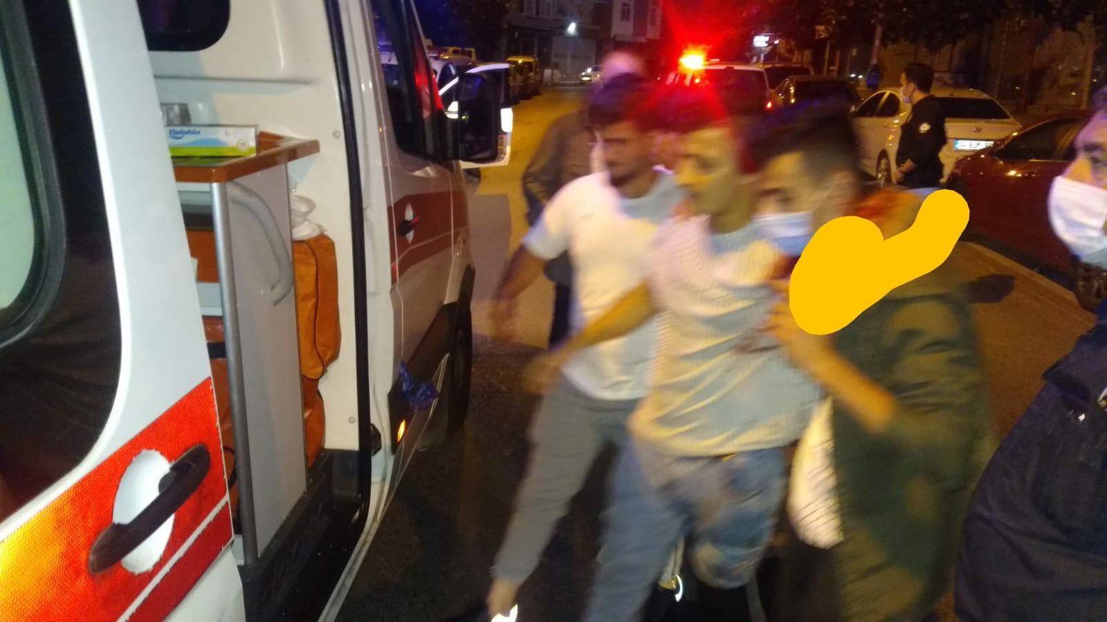 Eli kanlı bıçaklı sokak eşkıyaları terör estirdi, 1 kişi yaralı