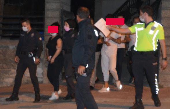 Manisa'da Gasp ve Fuhuş Ticareti Zanlısı 3 Kişi Tutuklandı.