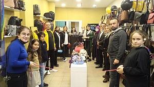 Mutlu ailesi ilk yatırımını Ahde vefa dedi, Mutlu Çantalar mağazasını Güngören'e açtı