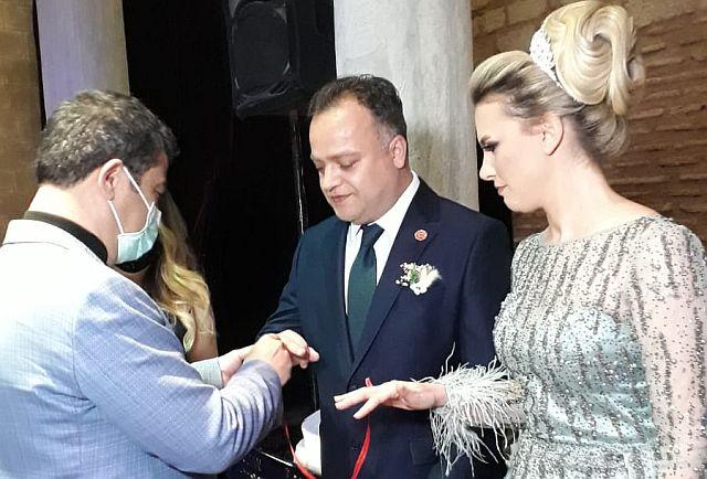 Meclis üyesi Gökhan Arslan ,  Melis Şen'le mutluluk kapısını araladı
