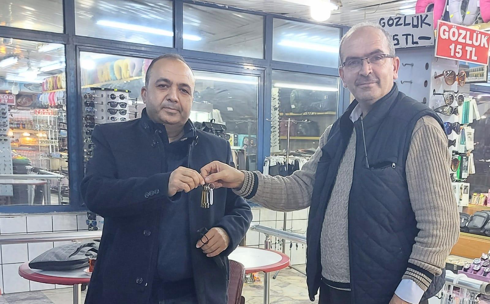 Akbaba Haber Ajansı kendi mülkü Ankara bürosunun anahtarını teslim aldı
