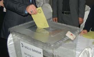 Güngören'de seçim sandığı gözüktü, adaylar sokağa indi