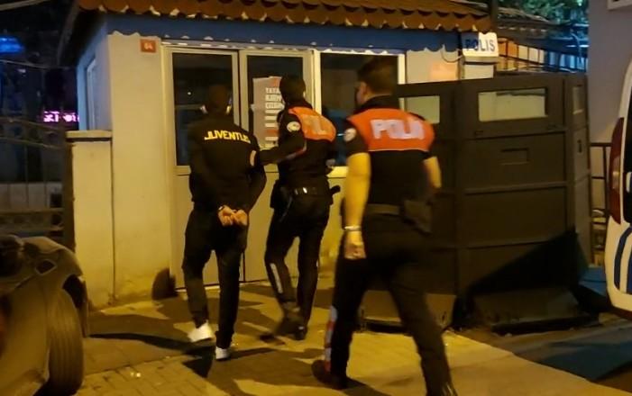Güngören'de Uyuşturucu kuryesi polisin kucağına düştü
