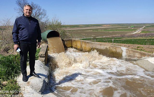 """Erdinç Kuran müjdeyi verdi """" Meriç nehri'nin suyu altinyazı barajına kavuştu """"dedi."""