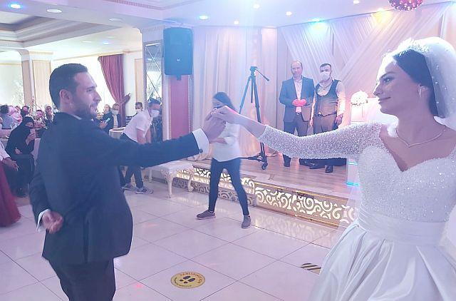 Nedim Kuşçu'nun kızı Tuğba Kuşçu , Özkan Yavuz'la dünya evine girdi