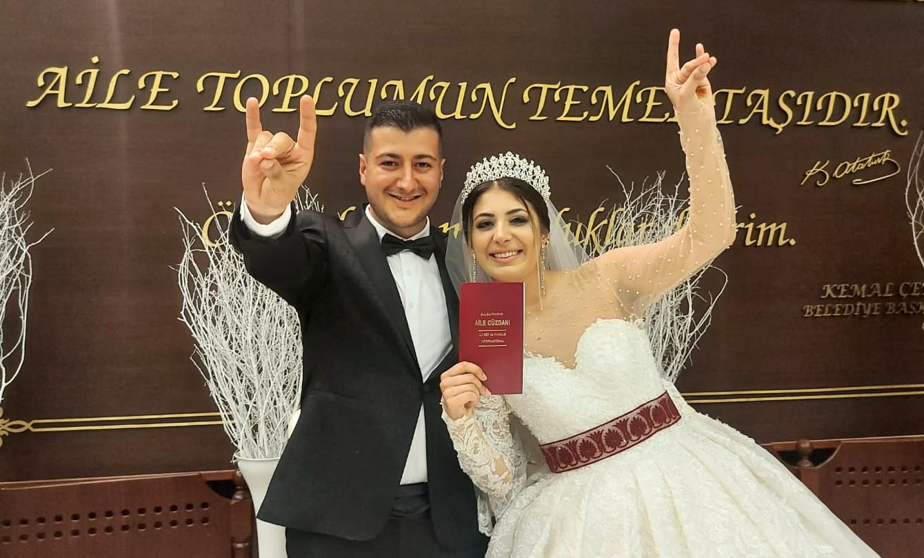 Cebrail Birsen'in oğlu Oğuzhan Birsen hayatını Yaren Yıldız'la birleştirdi