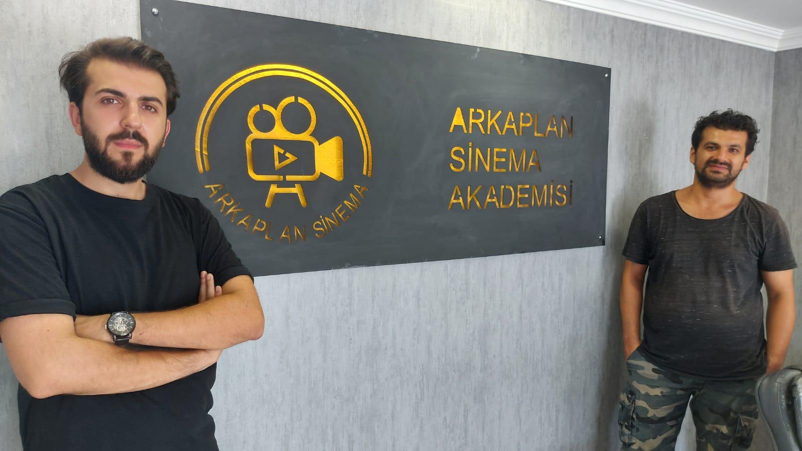 İbrahim Ağır ve Onur Demirel, Arkaplan Sinema Akademisiyle işletmelerin marka yüzü oluyor