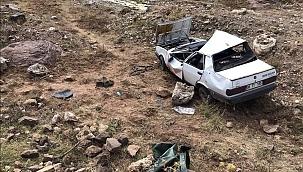 Beypazarı'nda araba dereye uçtu, aile ölümün eşiğinden döndü